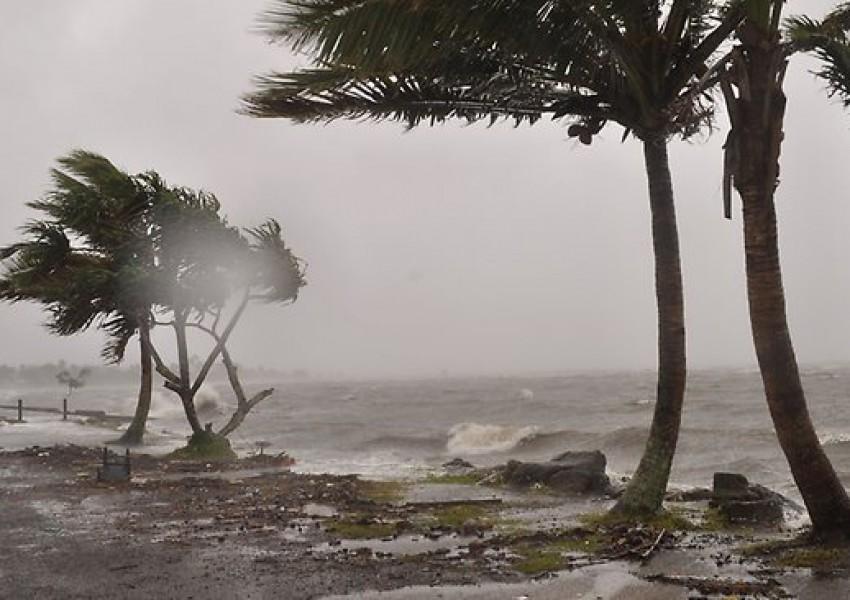 """Резултат с изображение за """"Мощен ураган"""""""