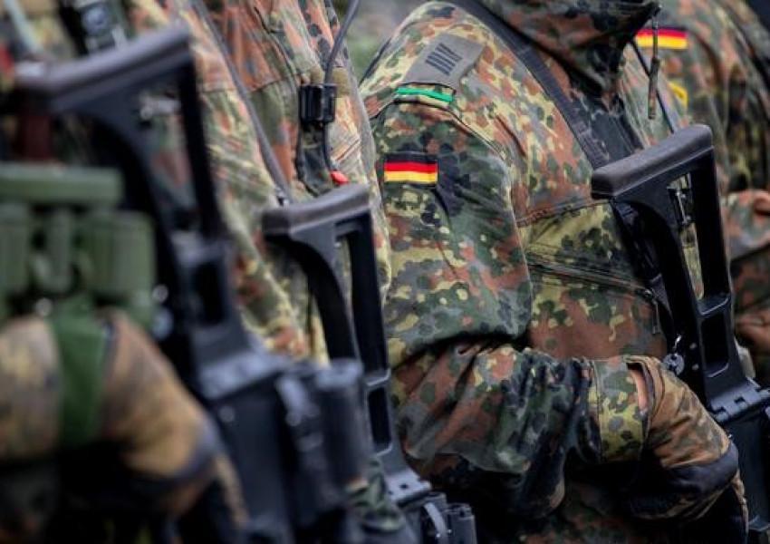 Отстраниха германски военни след подозрения за сексуална агресия и хитлеристка идеология