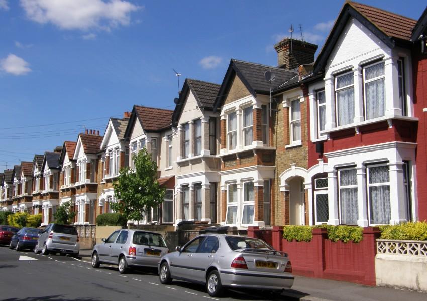 "Резултат с изображение за ""лондон жилища"""